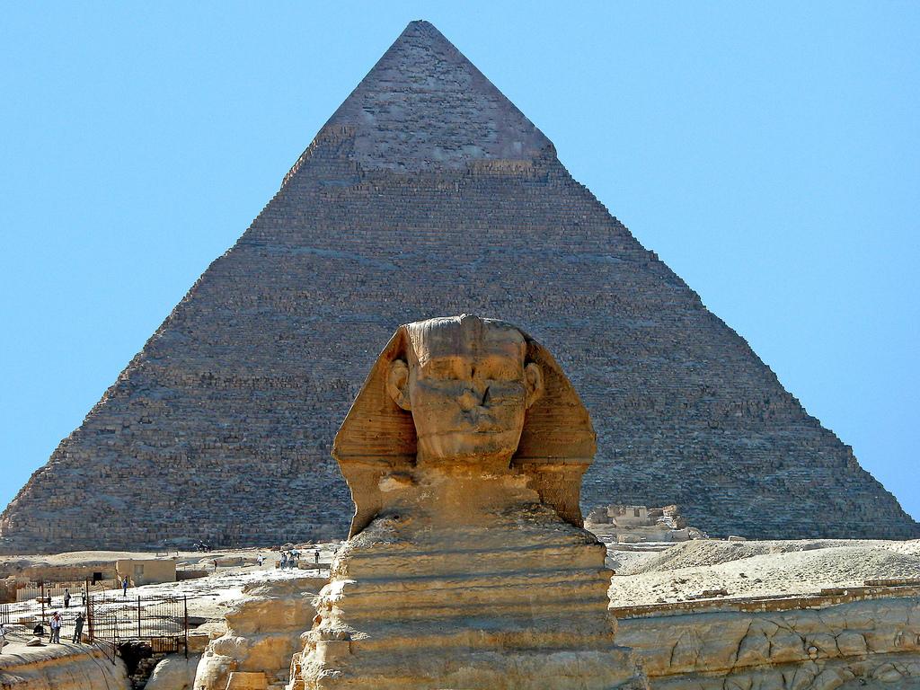 Pyramidy v Gíze a Sfinga