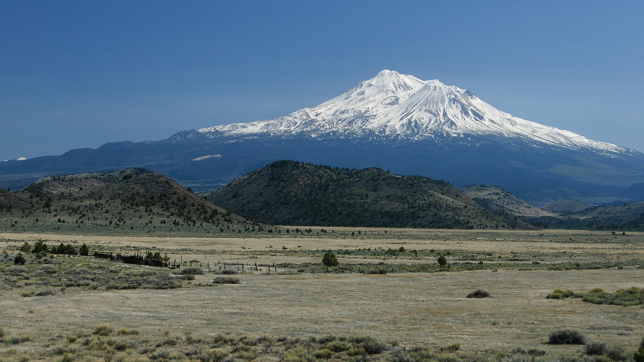 Mount Shasta, USA - foto: Loren Kerns
