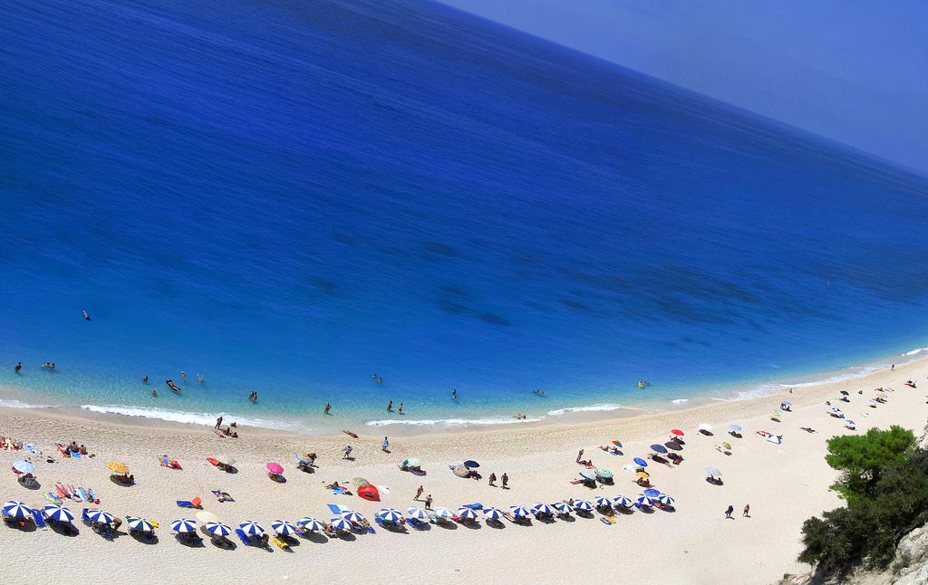 Lefkada, Egremni beach  - foto: constant progression