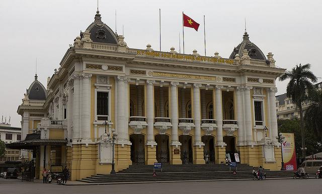 Hanoi, Hanoiská opera - foto:  Stefan Fussan