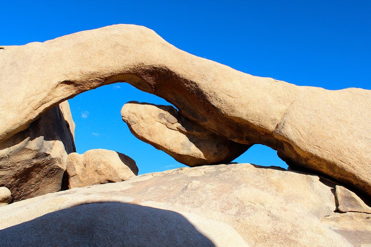 rock-arch-Joshua Tree